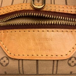 Louis Vuitton Bags - Authentic preowned LV Neverfull MM Monogram